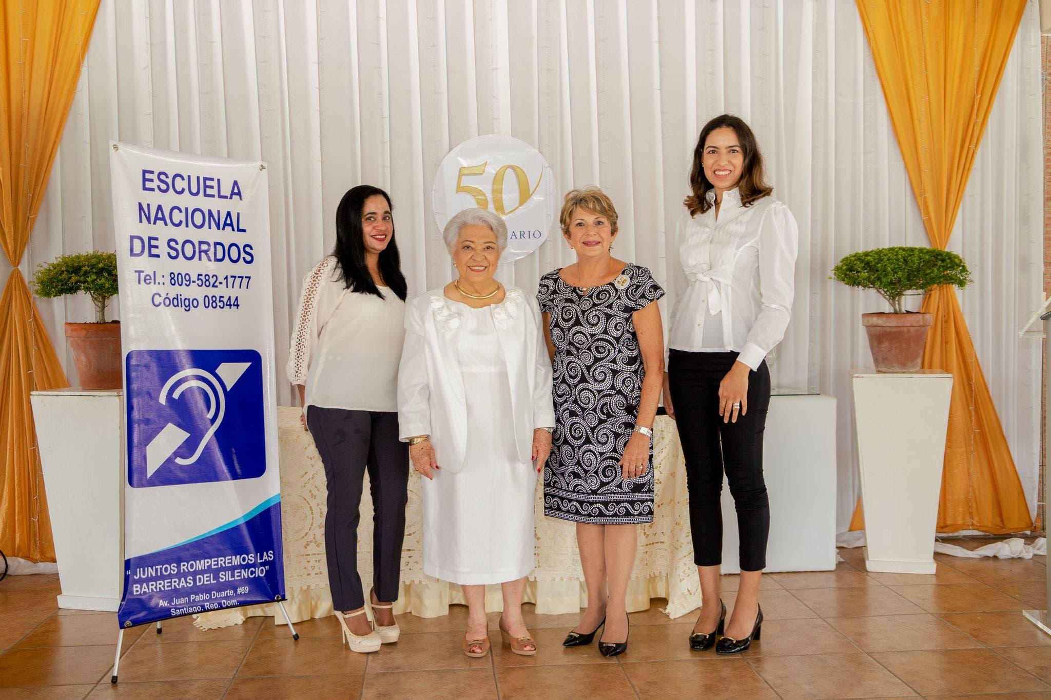 Escuela Nacional para Sordos deSantiago celebra 50 Aniversario