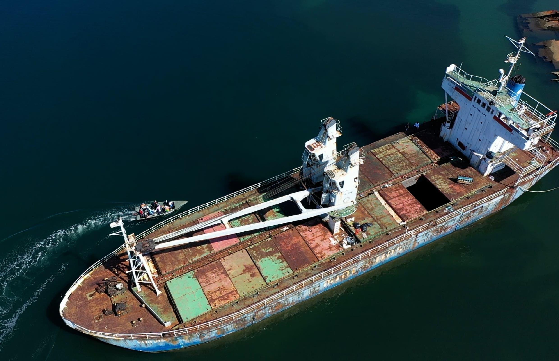 Retiro de barco varado en Manzanillo evitaría desastre cerca manglares  Estero Balsa
