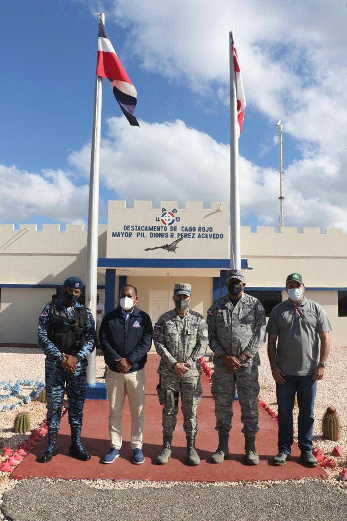 Departamento Aeroportuario  y FARD supervisan instalaciones en la Región Sur