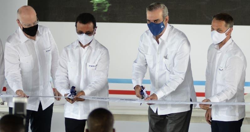 Abinader asiste a inicio trabajos  expandir puerto