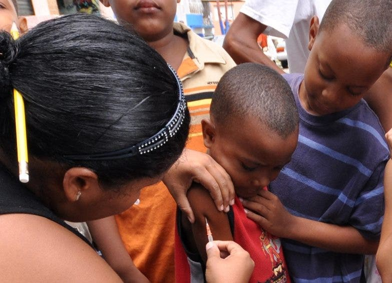 Rezago cobertura de vacuna RD propicia rebrote enfermedades