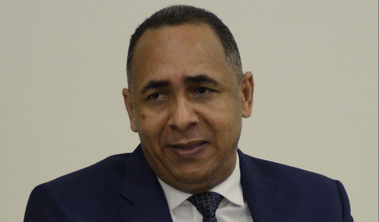 Indotel se propone cambiar ley del sector