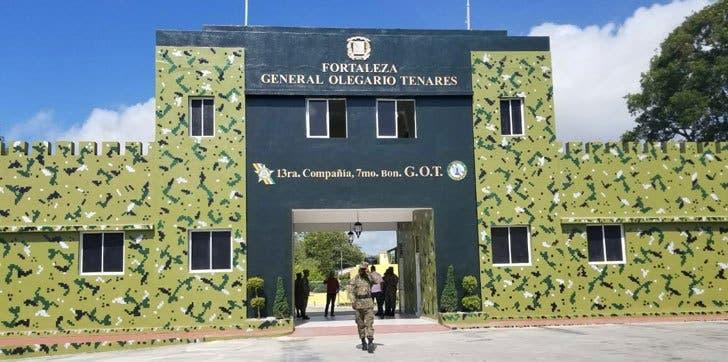 Se escapan seis reclusos de fortaleza Olegario Tenares en Nagua