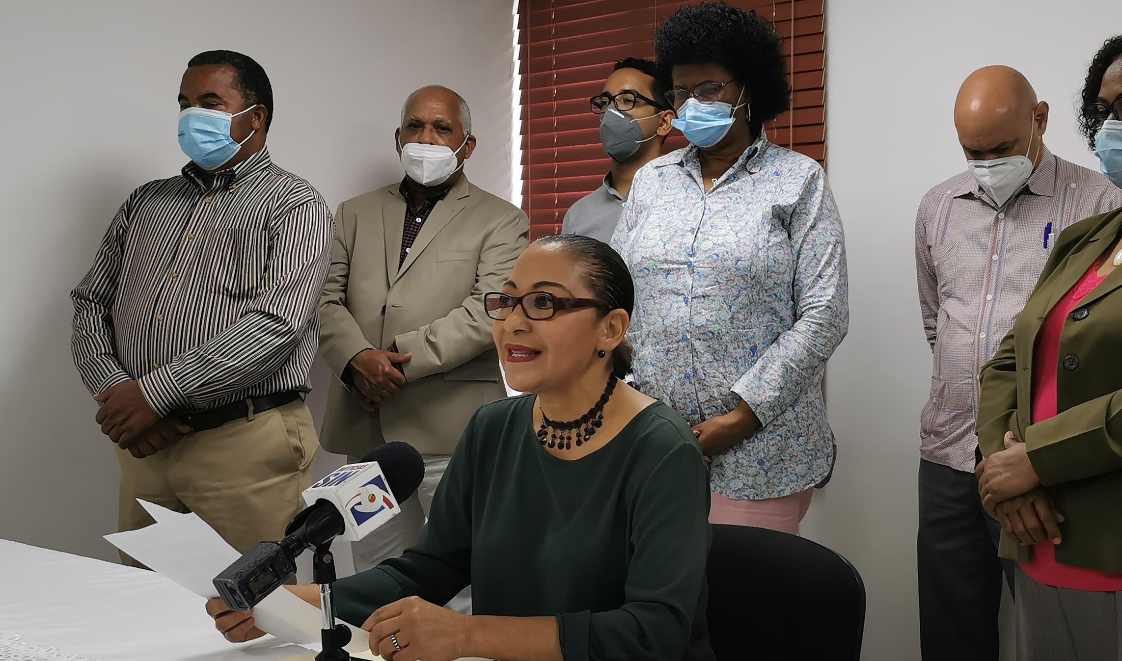 María Teresa Cabrera declina sus aspiraciones a Defensora del Pueblo