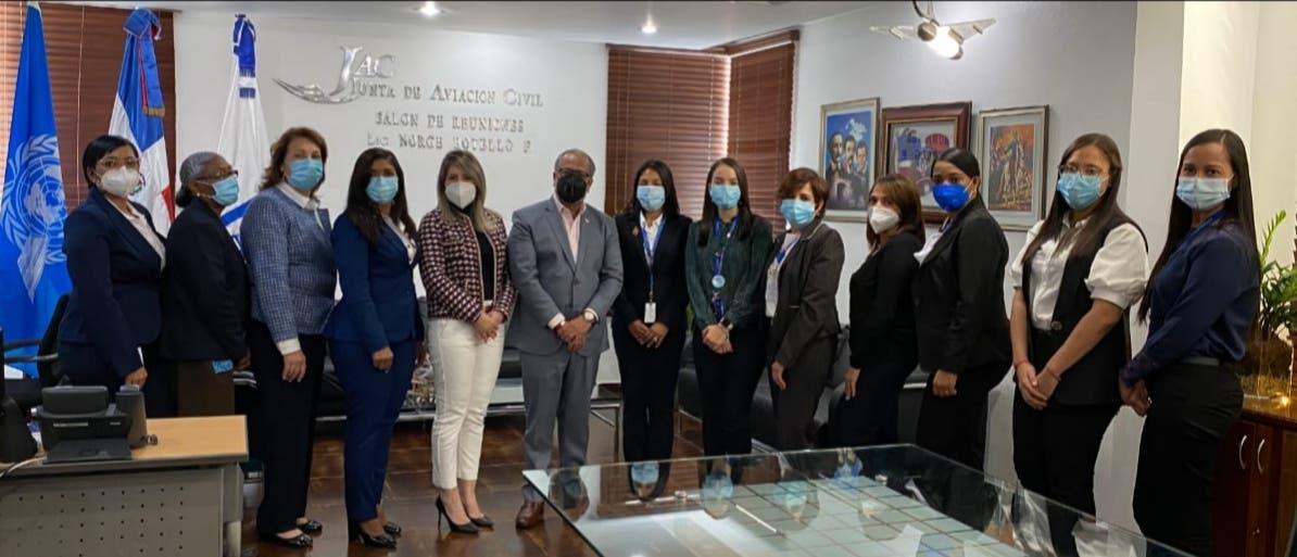 Mujeres ocupan 50% de puestos directivos en Junta de aviación Civil