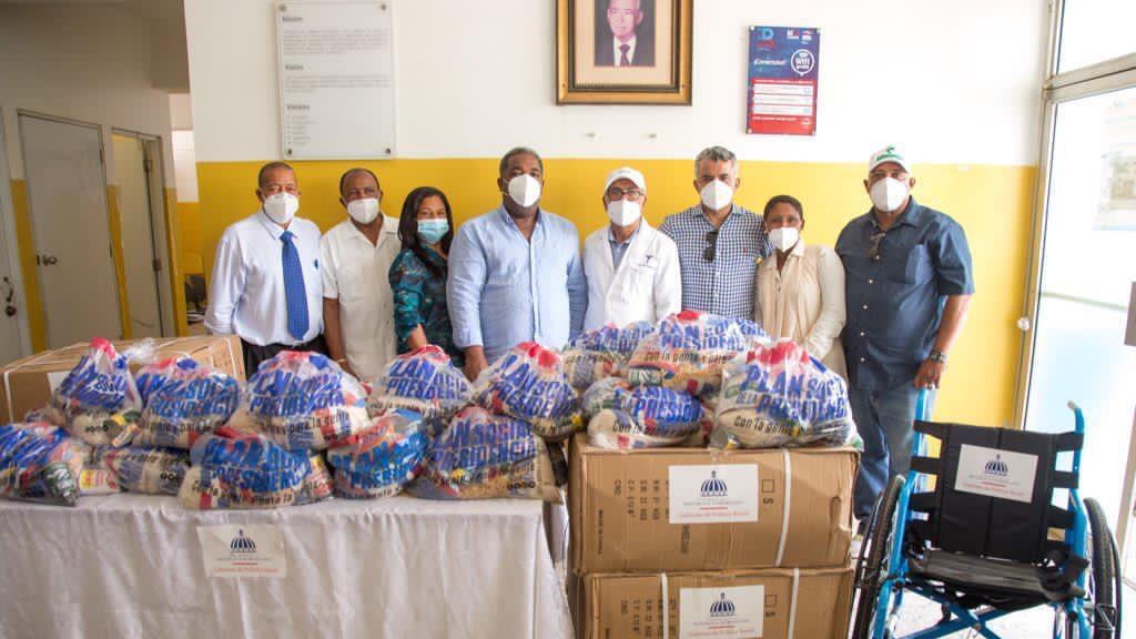 Gabinete de Política Social entrega  donaciones en Santiago y la línea noroeste