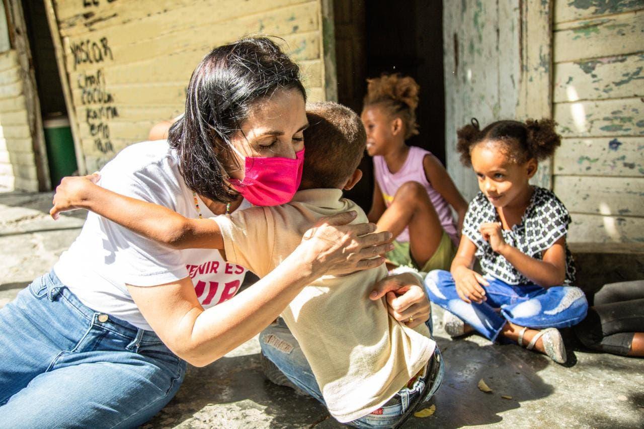 Raquel Arbaje inicia trabajos prevención uniones tempranas y embarazos en adolescentes