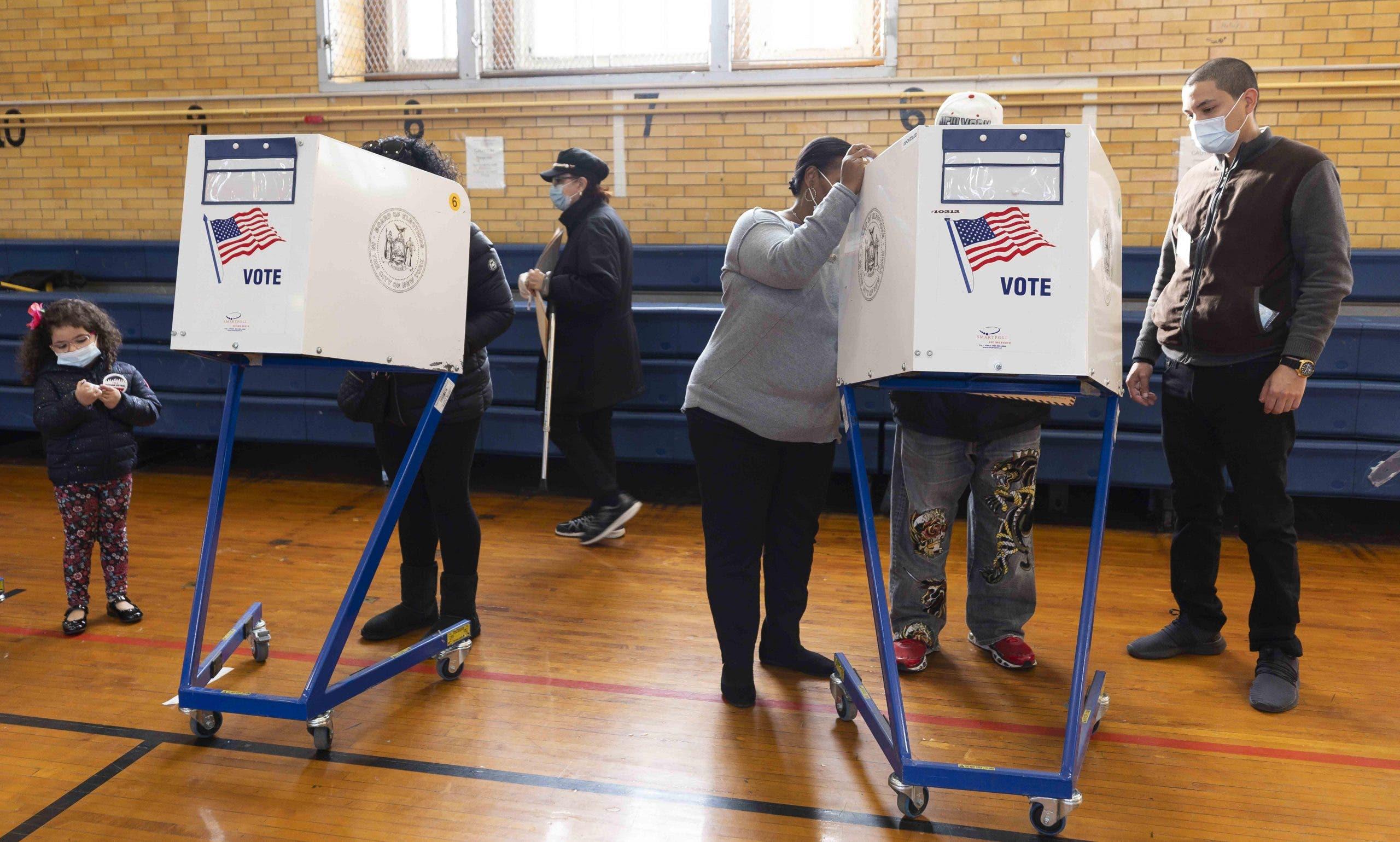 Agregada de Prensa de EEUU no descarta que un futuro el sistema de votación de EE.UU sea cambiado