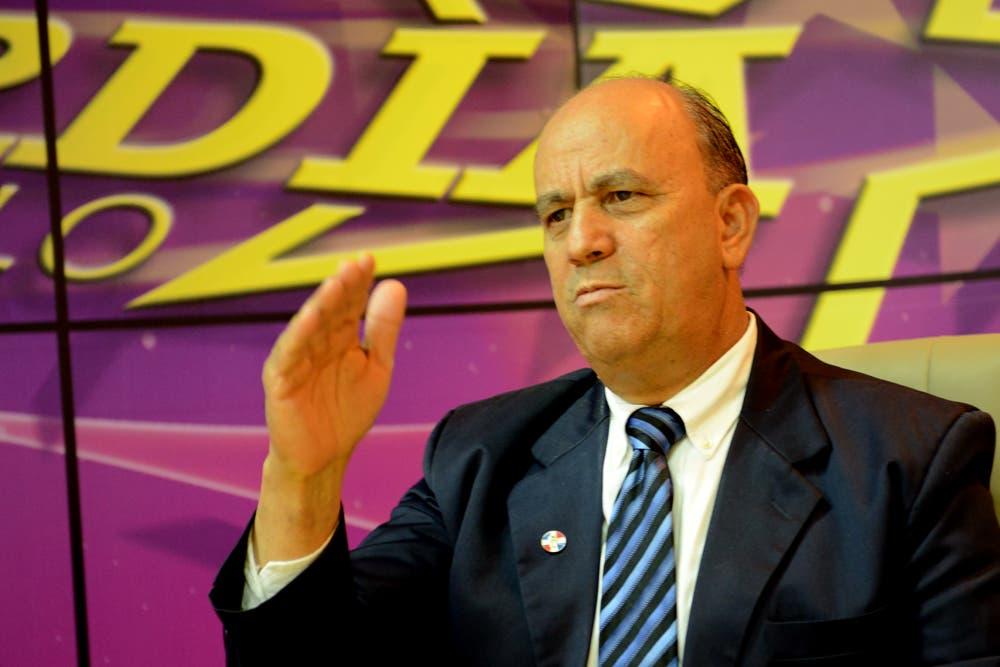 Luis De León sugiere posponer elecciones presidente y secretario general PLD