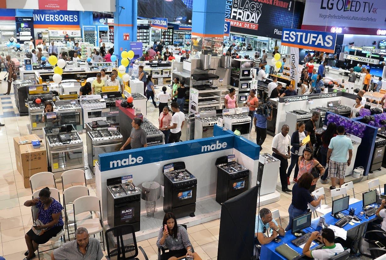 Las ventas con tarjetas aumentaron  11.4% en feria de  Viernes Negro