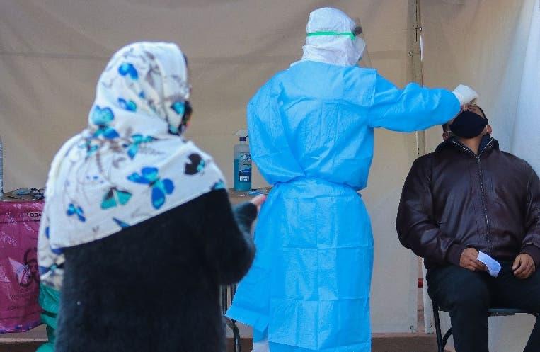 México recibe 500 médicos de Cuba para Covid