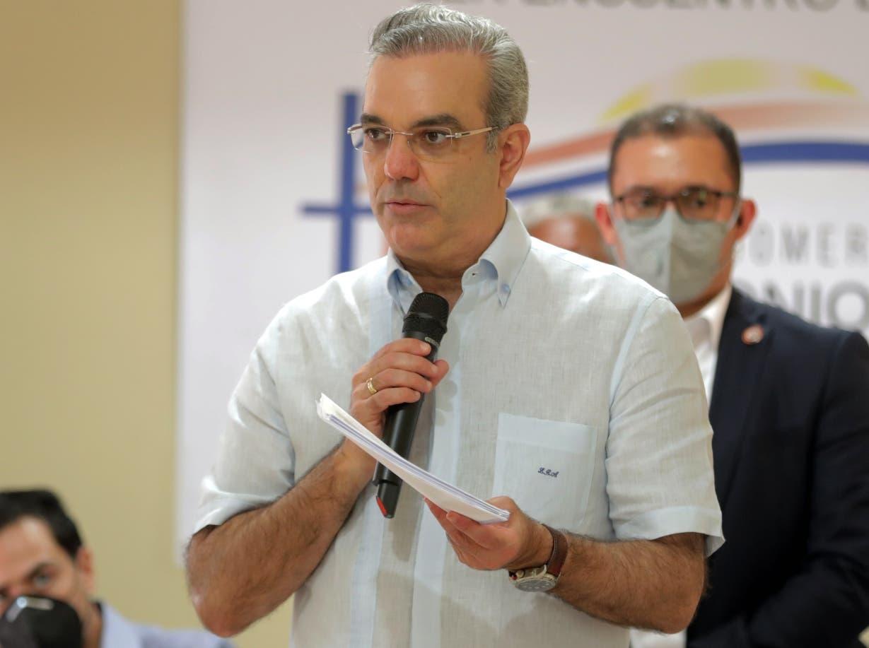 Funcionarios felicitan a Luis Abinader por su cumpleaños