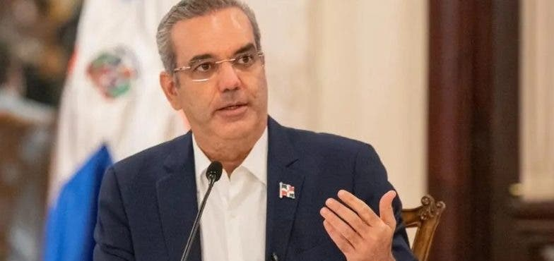 """Abinader: """"Ninguna institución haga desvinculación si no tiene para pagar prestaciones"""""""