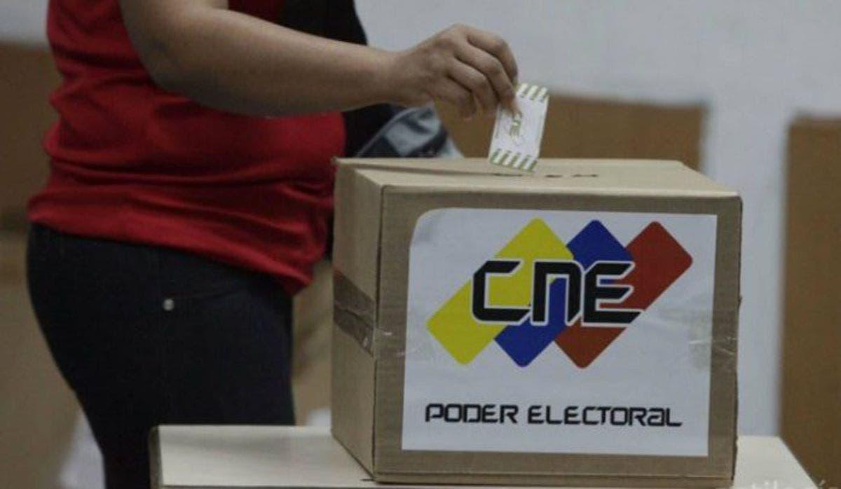 Abstenerse o votar, cruce de últimas llamadas para los comicios venezolanos