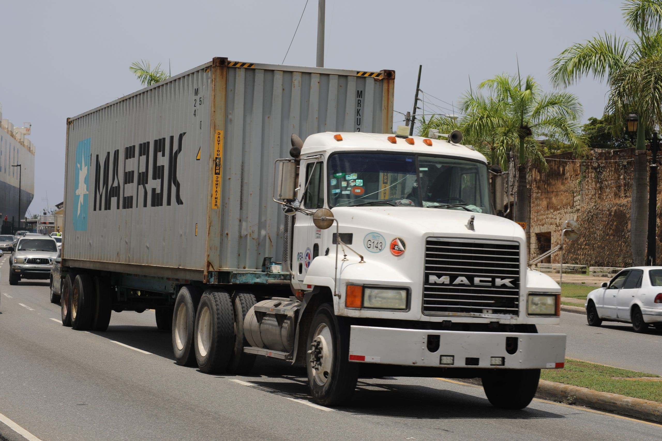 INTRANT prohíbe circulación de vehículos de carga en días de Navidad y Año Nuevo