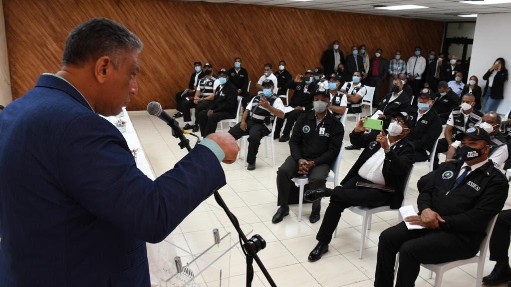 Ministro de Interior y Policía advierte cancelará empleados que cometan actos de corrupción