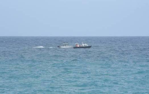 Rescatan a 4 personas y buscan a otras 6 de nave zozobrada en Puerto Rico