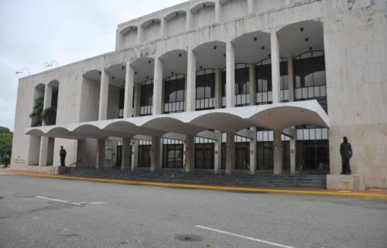 La danza vuelve al Teatro Nacional de R.Dominicana tras nueve meses de cierre