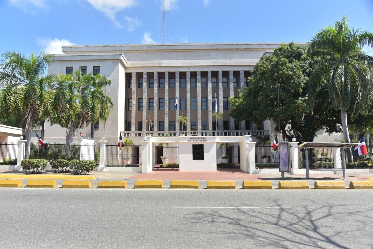Evaluaciones Concurso de Oposición Docente del MINERD comienzan el día 8