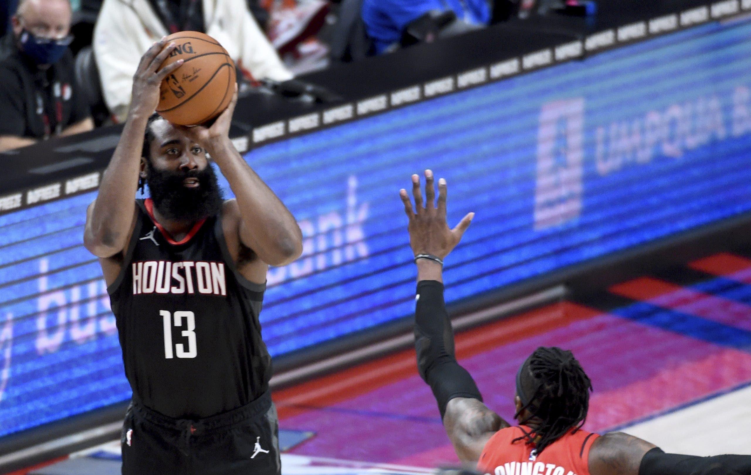NBA multa a directivo de 76ers por tuit sobre James Harden