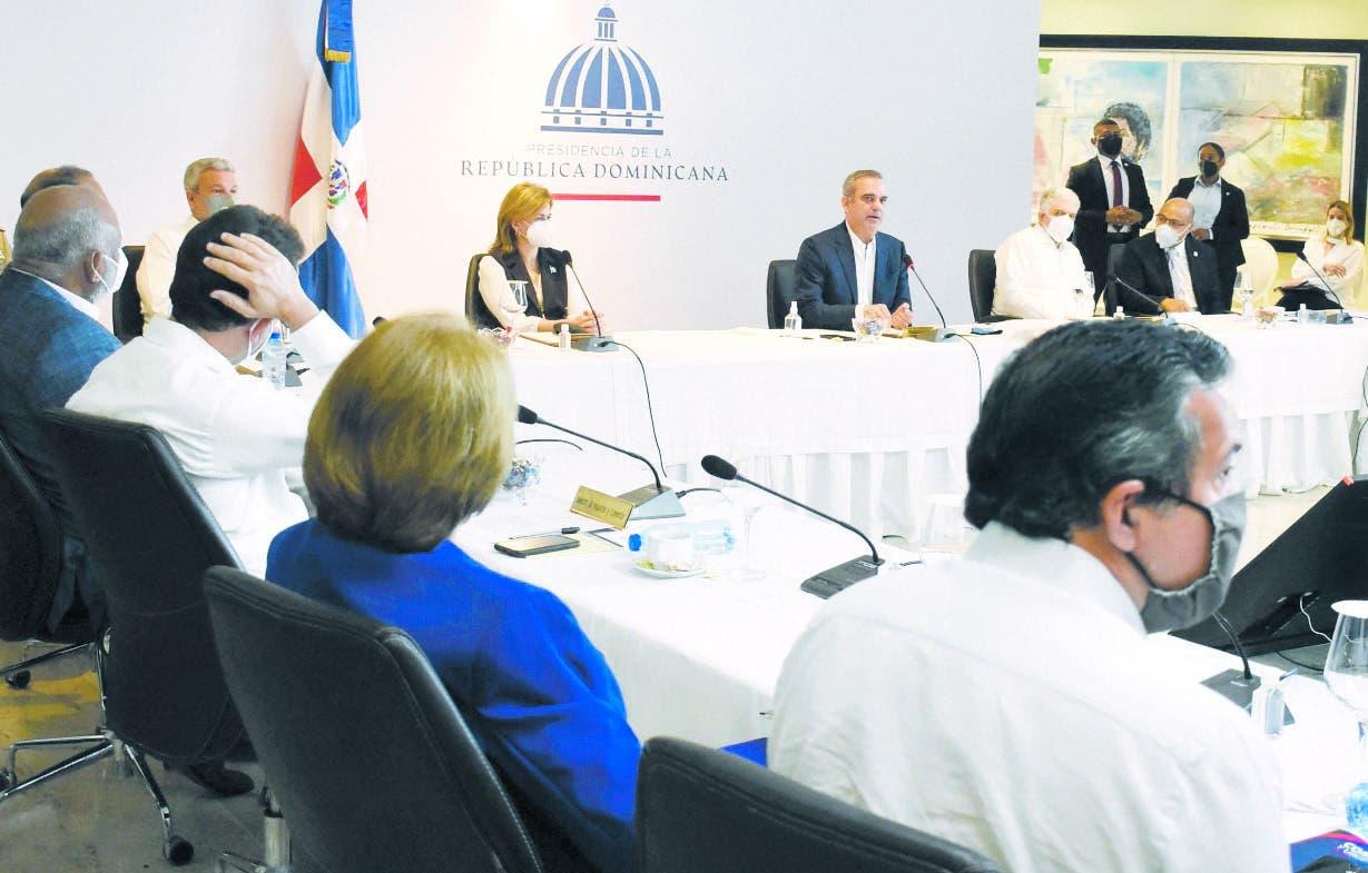 Abinader anuncia múltiples obras que beneficiarán SDE