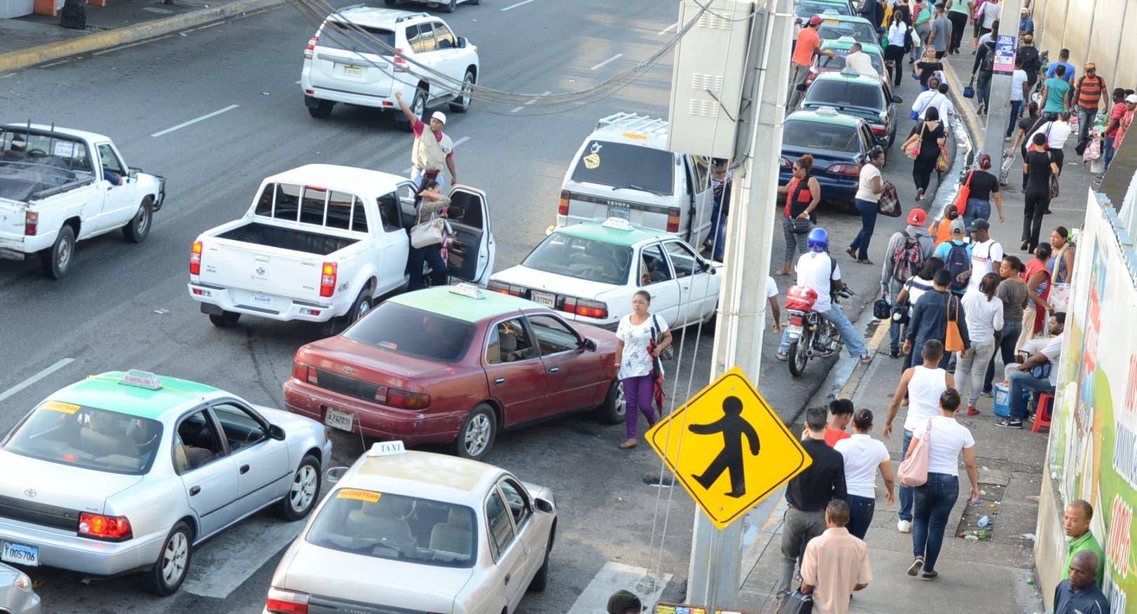 Costo y limitación horas transporte afectan a pasajeros