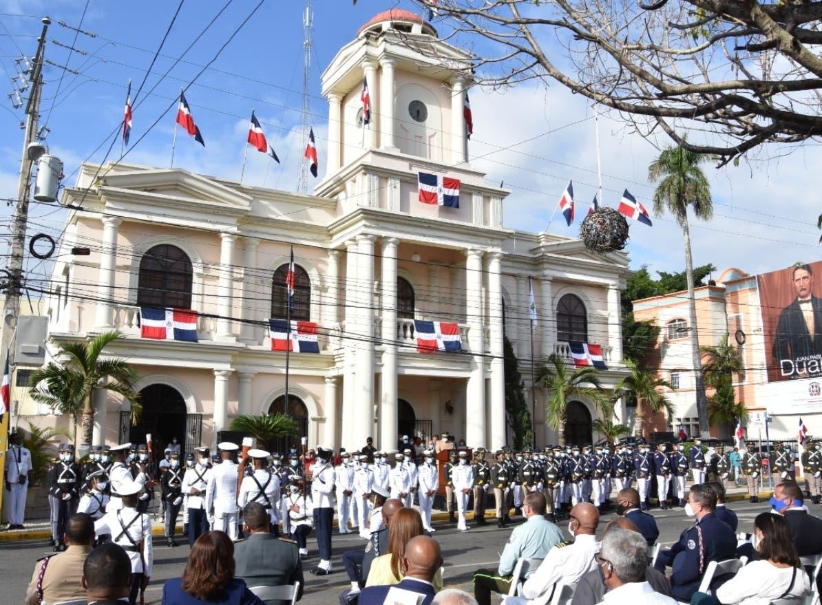 Duarte recibe honores en su 208 aniversario