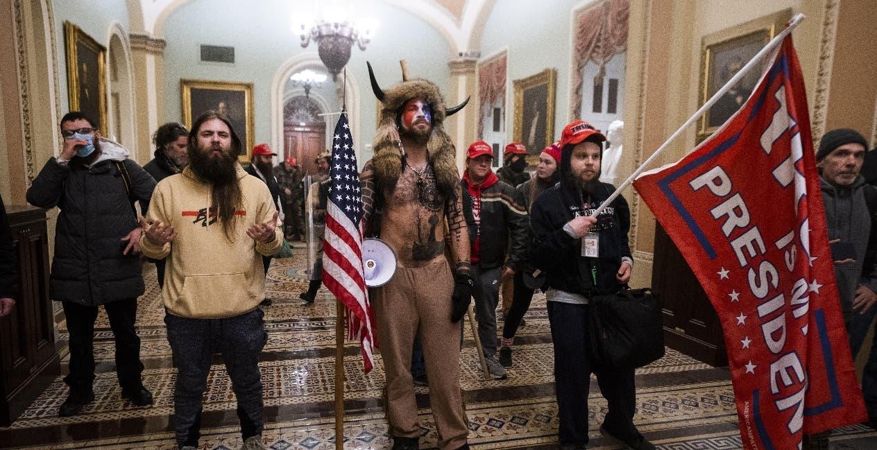 Desinformación, la defensa de atacantes del Capitolio