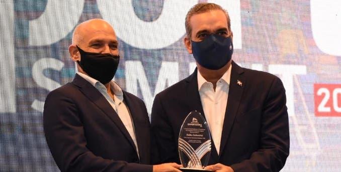 Halka Industrial fue reconocida por Adoexpo