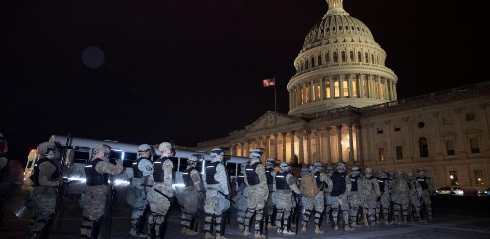 Refuerzan seguridad en capitolios estatales de EEUU