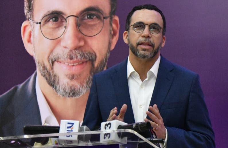 Navarro presentó su candidatura a secretario del PLD