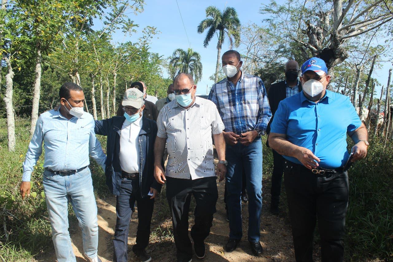 Autoridades BN-CEA y PGR recorren terrenos para construir dos centros rehabilitación y corrección en el Este