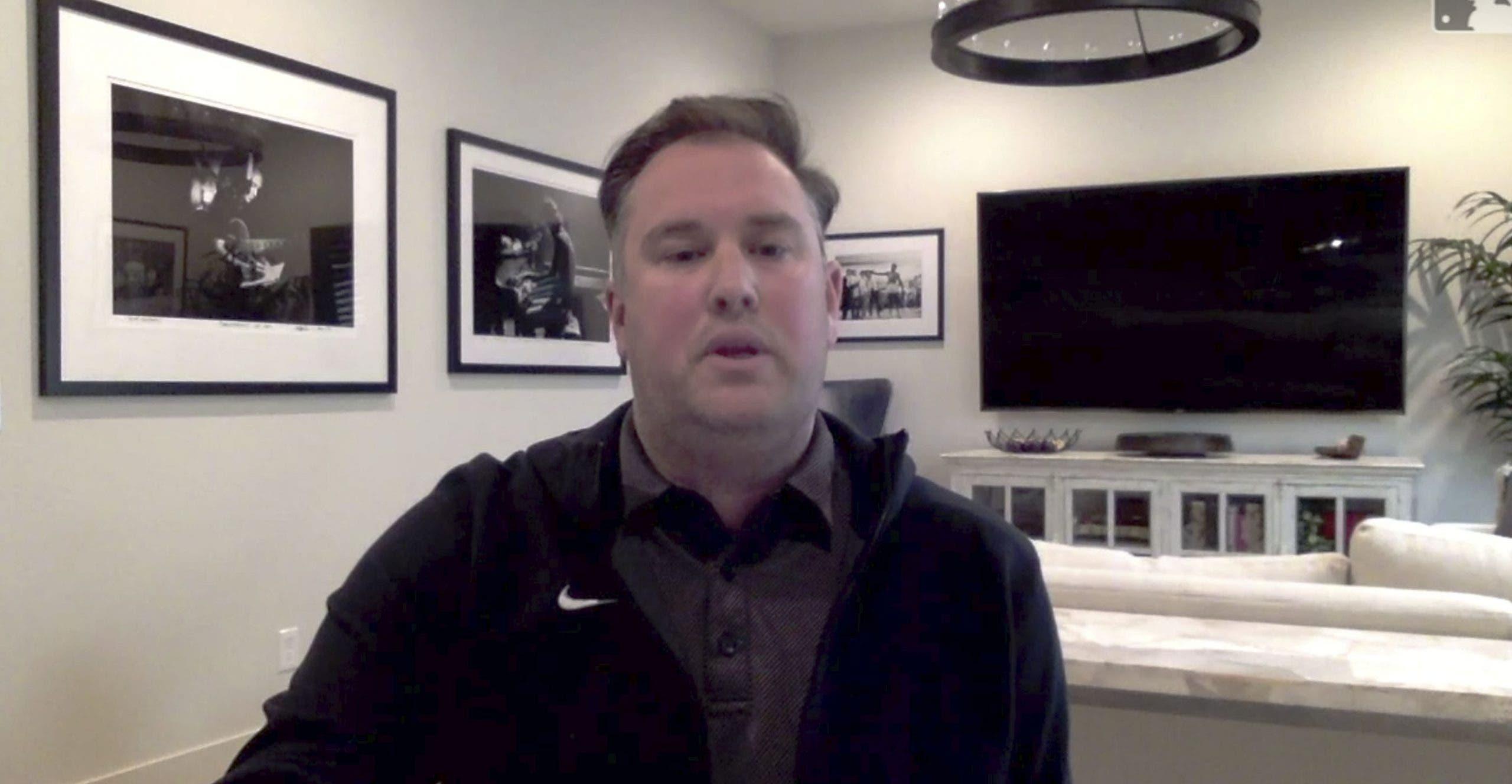 Mets despiden a gerente general por envío de imágenes explícitas a periodista