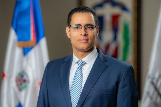 Juan Ariel Jiménez anuncia candidatura al Comité Central del PLD