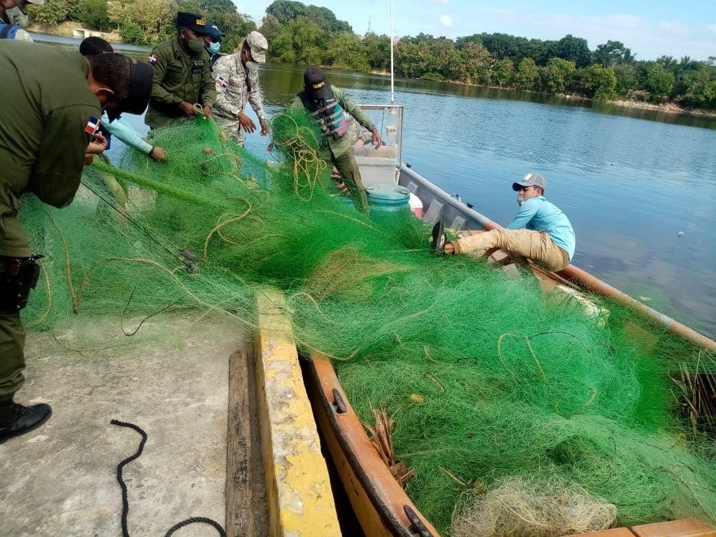 Detienen 11 personas e incautan redes de pesca ilegales en litoral Sur