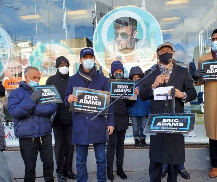 Prominentes líderes latinos apoyan a Eric Adams para alcalde NY