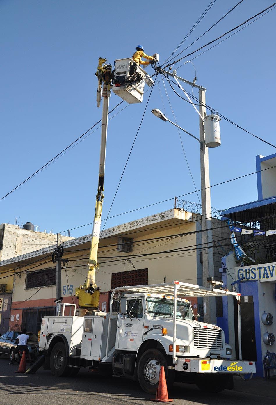 Edeeste interrumpirá servicios en barrios de Santo Domingo y Boca Chica este fin de semana