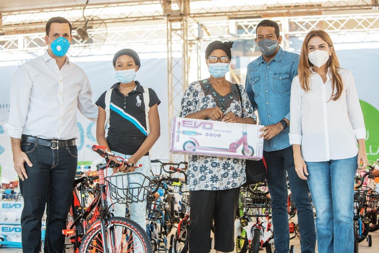 ADN recolecta 124,100 botellas en primer día del programa Plásticos por Juguetes