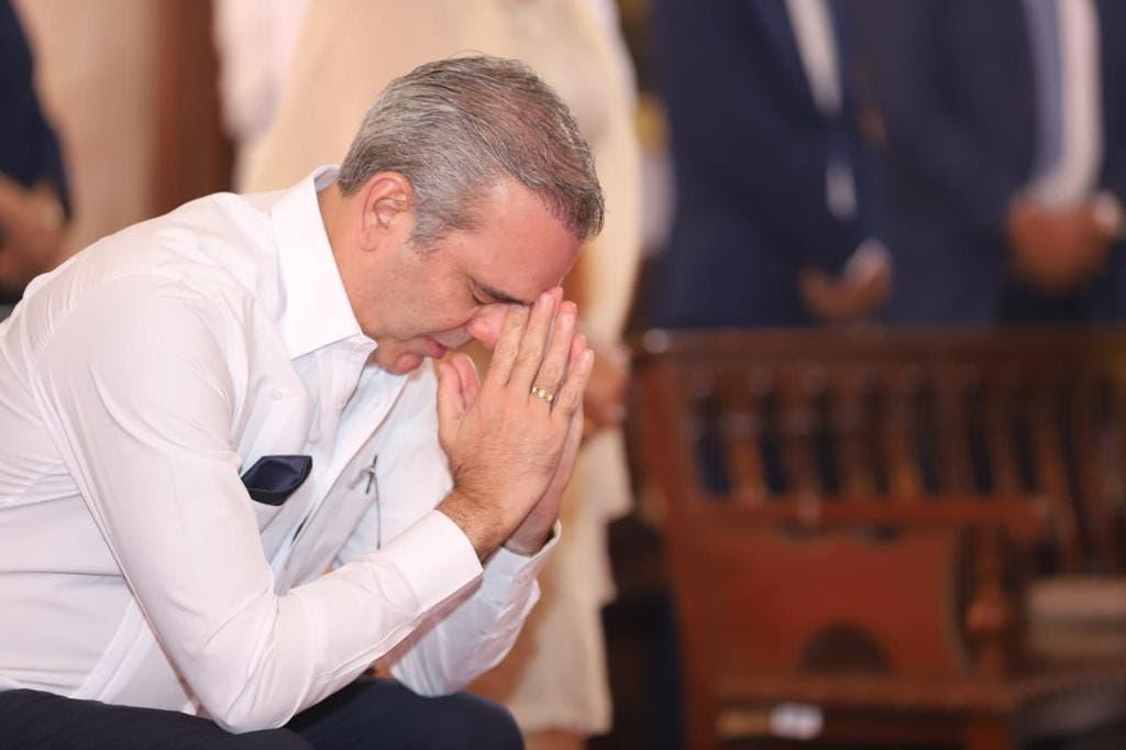 Presidente Abinader pide a Dios sabiduría para llevar país por rumbo correcto