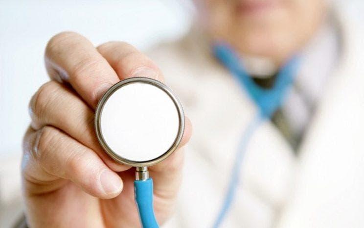"""Experta en seguridad social llama a superar el """"círculo vicioso en salud"""""""