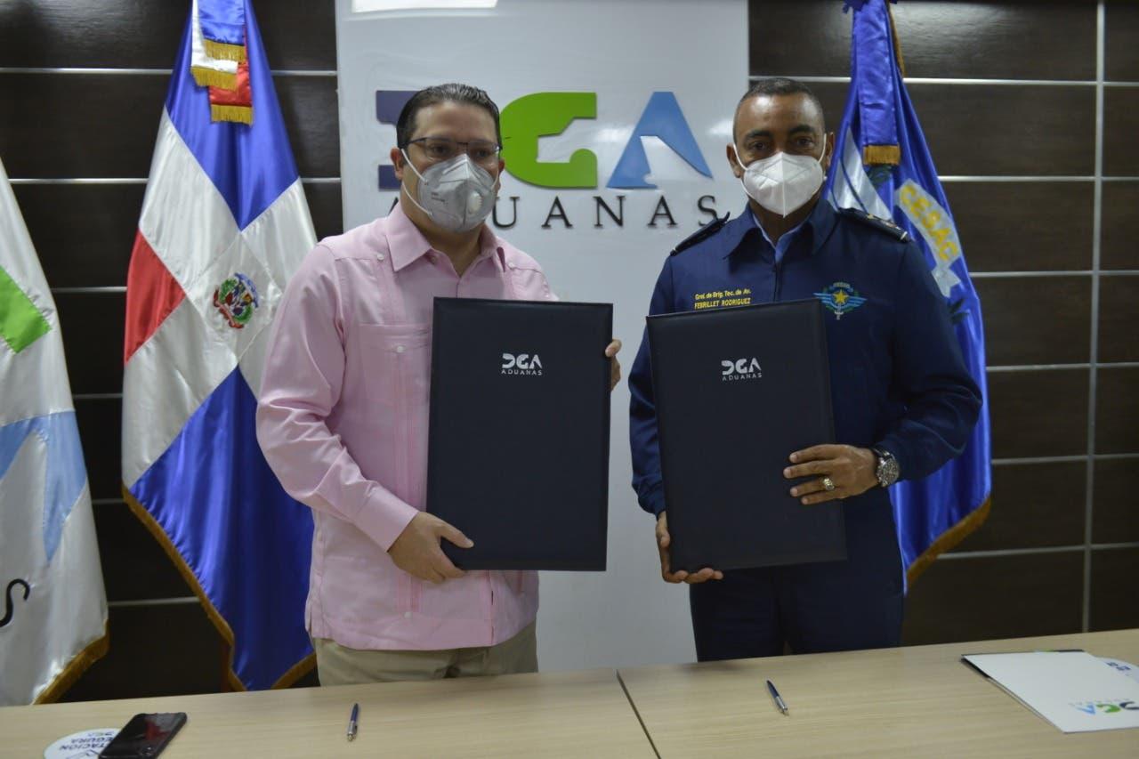 Aduanas y el CESAC firman compromiso