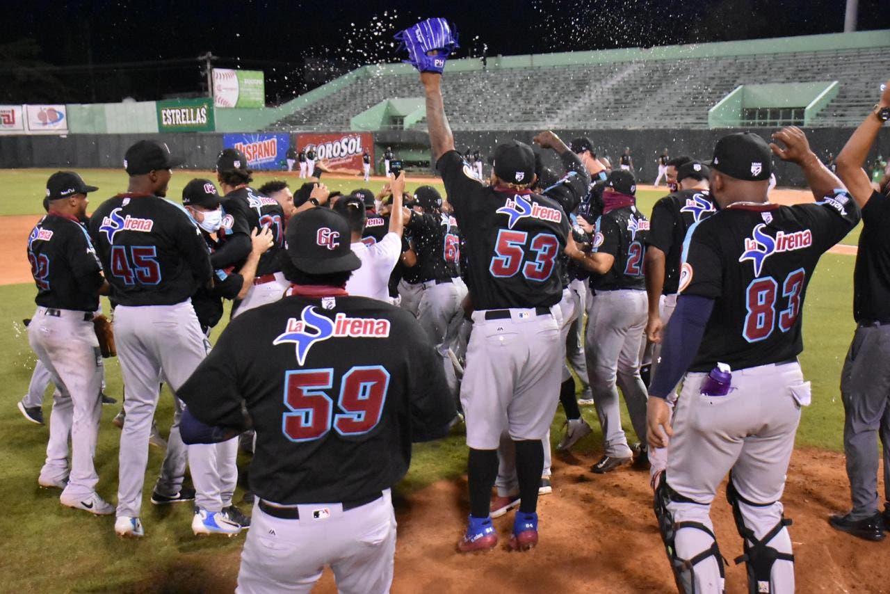 Gigantes eliminan a Estrellas y van a final dominicana
