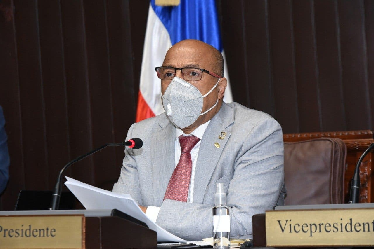 Diputados convierten en Ley modificación de Administración Pública