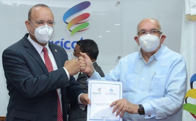 El Bagrícola y Proindustria firman un acuerdo para