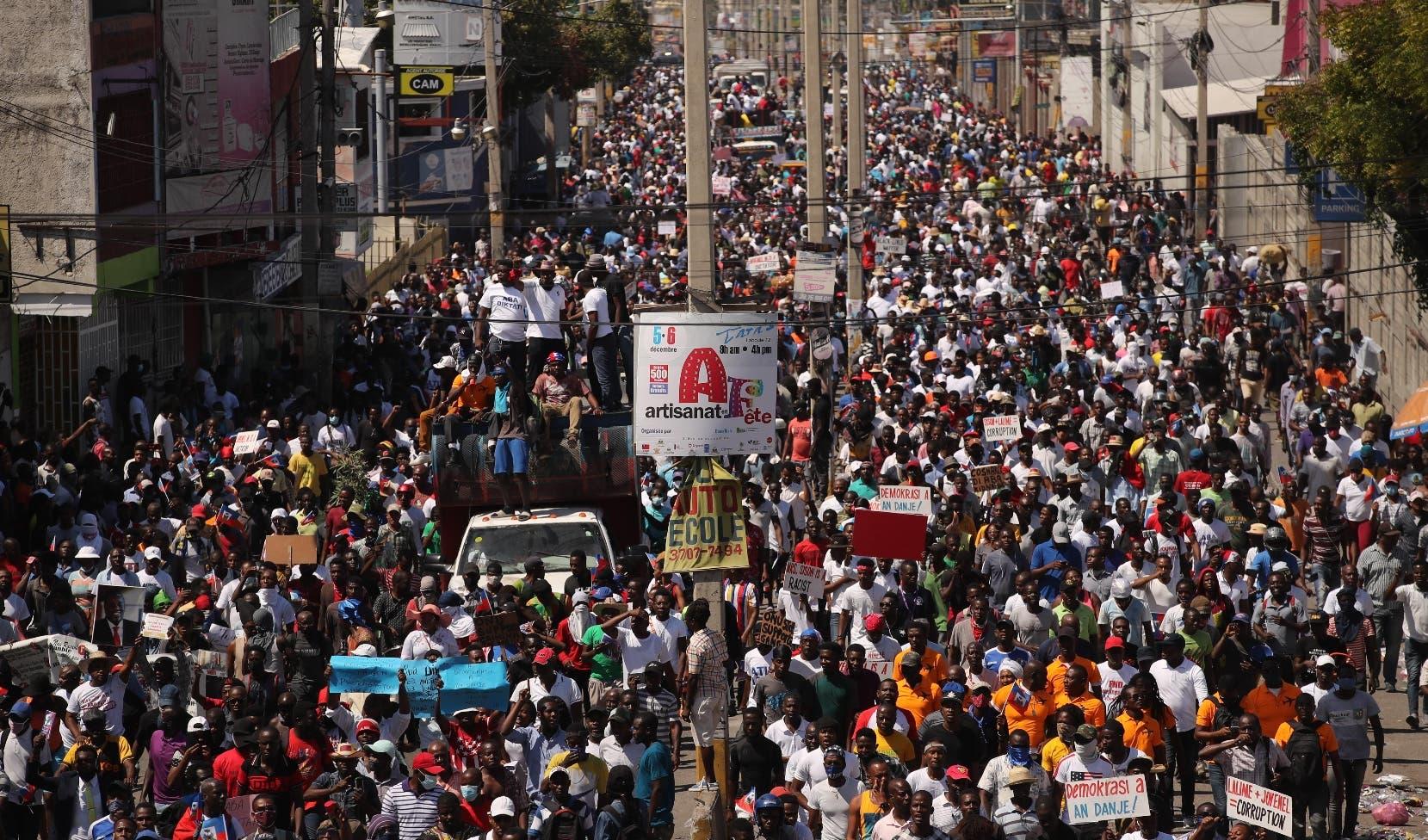 Miles haitianos toman calles para exigir  renuncia de Moise