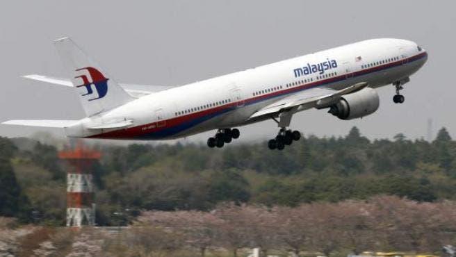 El motor de un avión con 231 pasajeros abordo se incendia en pleno vuelo; todos salieron ilesos