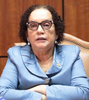 Miriam Germán instruye a fiscales que investigan patrulla policial que ultimó a esposos evangélicos