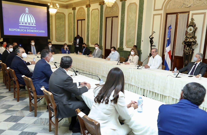 Pedro Brache afirma horario beneficia a la economía