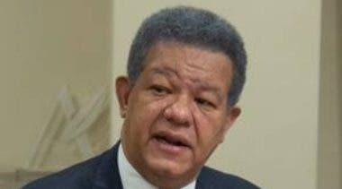 Leonel pide aclarar plan de vacunación
