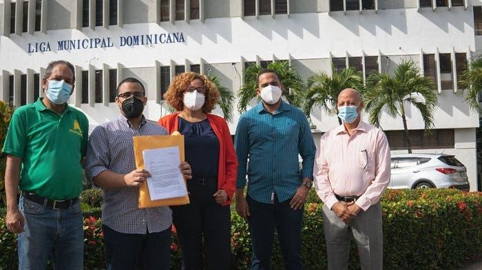 Funcionarios que no han presentado su Declaración de Bienesviolan la Constitución